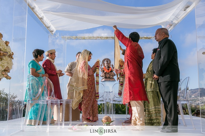 Indian-wedding-Hindu-ceremony-fire-Ritz-Carlton-Dana-point-Lin-Jirsa-mandap