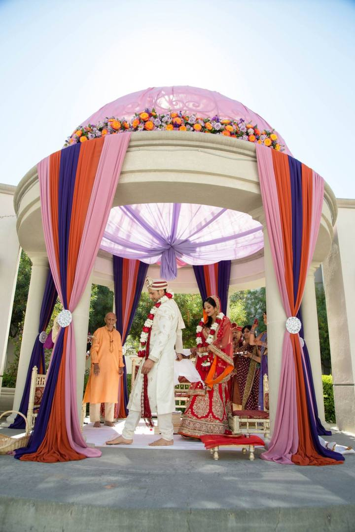 Indian-wedding-Jain-ceremony-mandap-multicultural-fire-San-Mateo Marriott