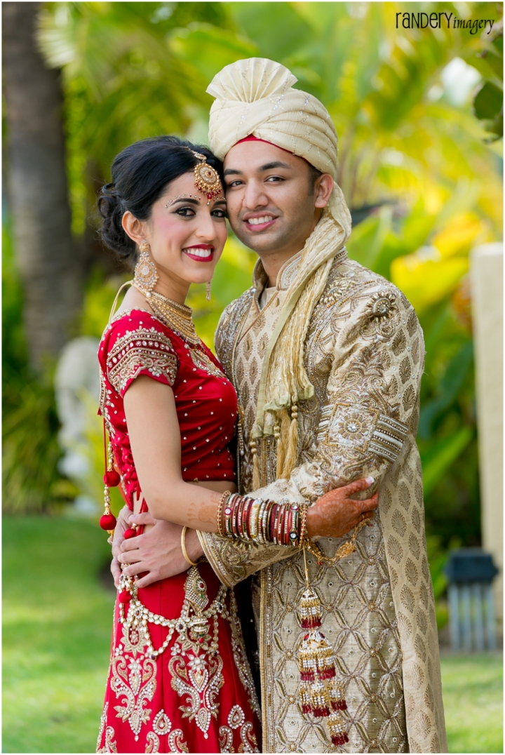 Wedding Photography Indian Wedding: Gorgeous Golden Gown, Sonia And Ravi, Hilton Irvine