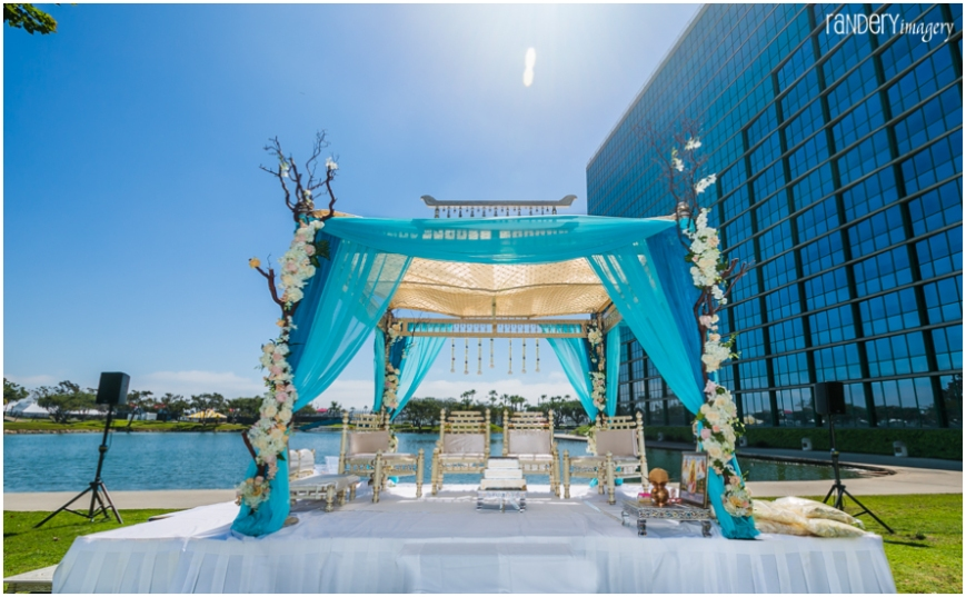 25.2-California-Long-Beach-Hyatt-Orange-County-Indian-Hindu-Gujarati-Wedding-Photography-Venue-Space-mandap