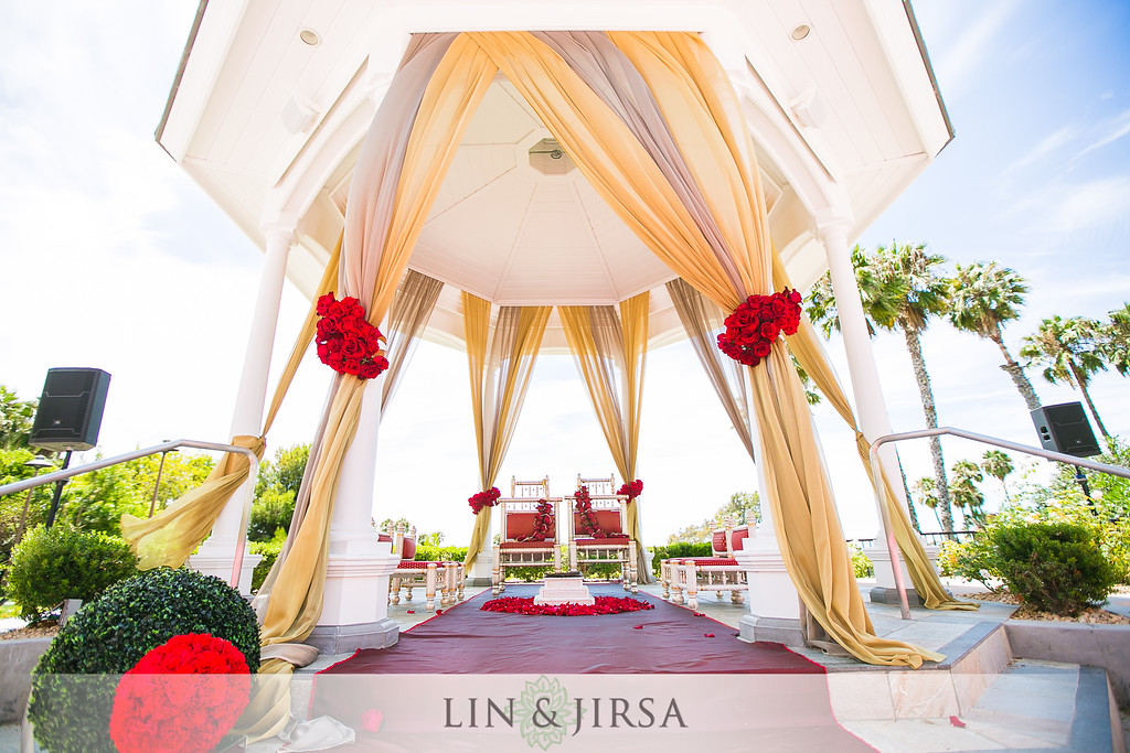 beautiful mandap in the gazebo in the newport beach marriott hotel and spas rose garden venue