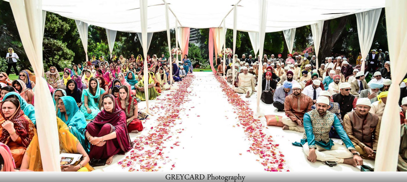 Outdoor-Sikh-wedding-ceremony-at-resort-venue