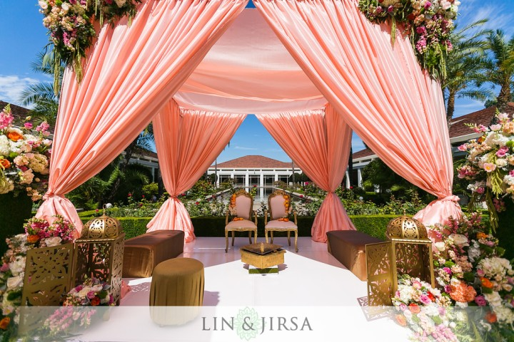 Indian-wedding-mandap-Hindu-outdoor-ceremony-Punjabi-Lin-Jirsa-2-Create-Designs