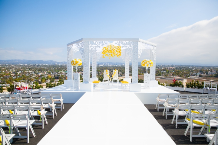 Indian-wedding-Marina-del-Rey-Marriott-phere-mandap-outdoor-ceremony-Hindu-fire
