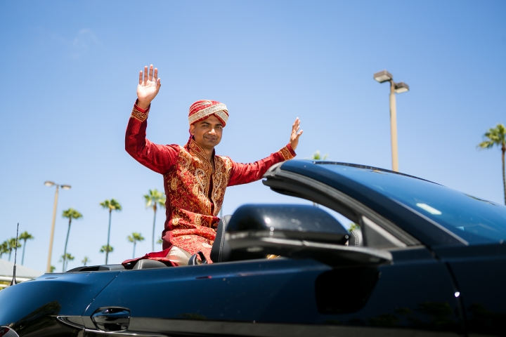Newport-Beach-Marriott-Indian-Wedding-car-baraat-jaan
