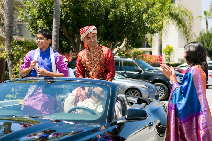 Newport-Beach-Marriott-Indian-Wedding-car-baraat-jaan-convertible