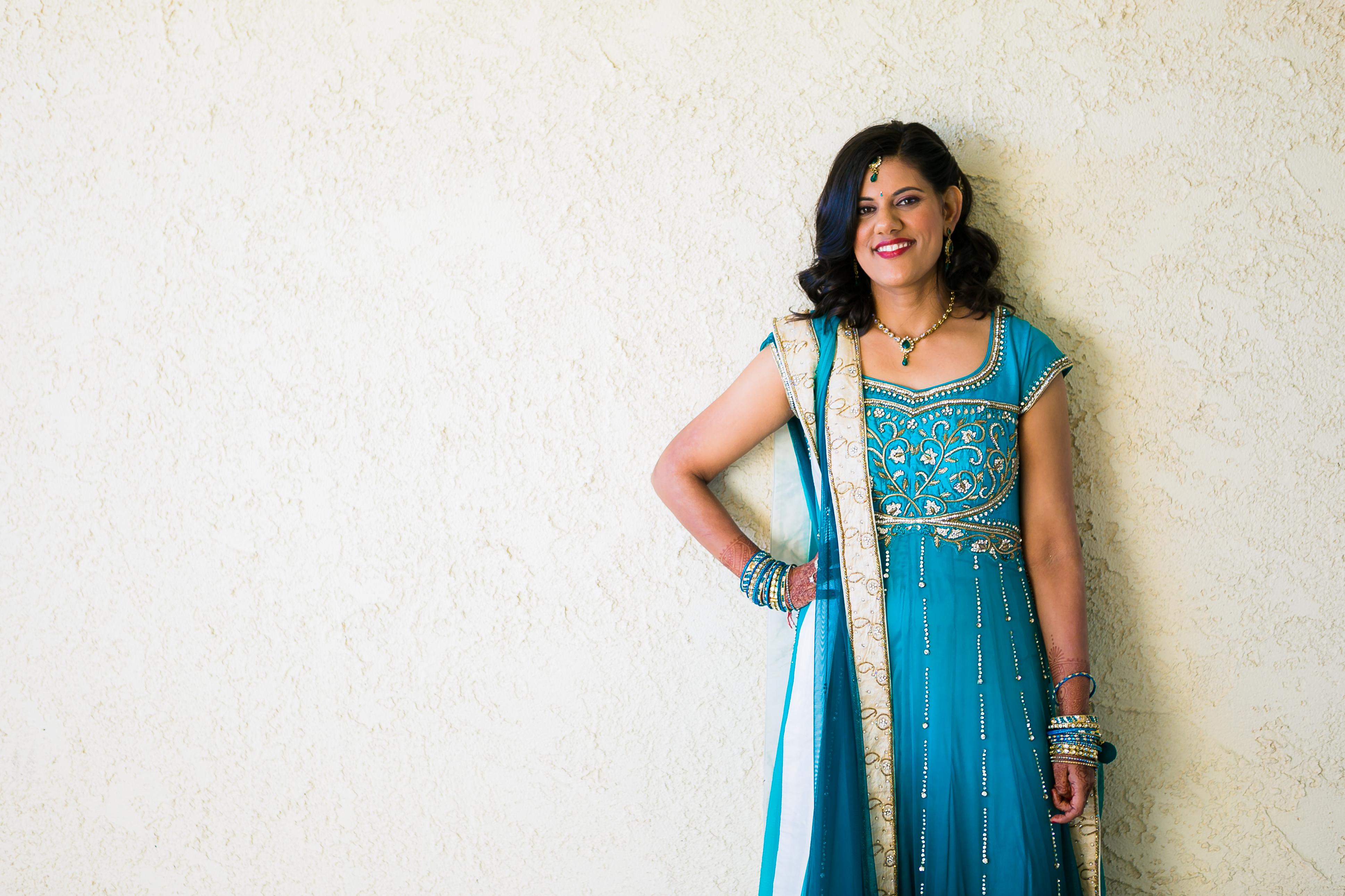 Indian-wedding-bride-bridal-gown-mehndi-makeup-hair-bindi – Indian ...