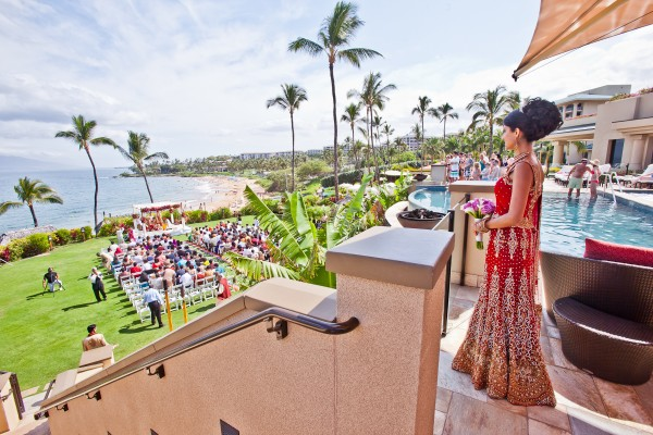 Indian-wedding-destination-Maui-Wailea-outdoor-ceremony-mandap-Hindu-wedding-lehenga-dulhan