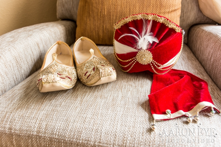 groom-dulha-Indian-wedding-Hindu-Jain-sera-jootis-Newport-Beach-Marriott-Aaron-Eye-photography