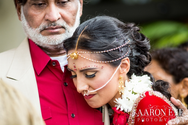 Reha-Vijay-Newport-Beach-Marriott-South-Asian-wedding-Indian_wedding-Hindu-Jain-North_Indian-ballroom-Aaron-Eye-Photography-vidai