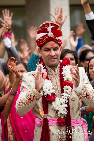 Reha-Vijay-Newport-Beach-Marriott-South-Asian-wedding-Indian_wedding-Hindu-Jain-North_Indian-head-table-ballroom-Aaron-Eye-Photography-dulha
