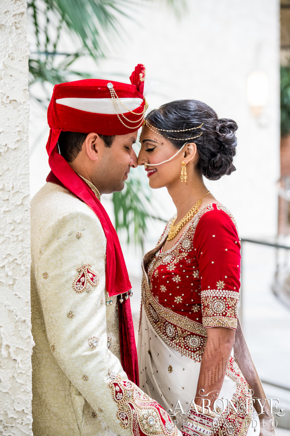 Reha-Vijay-Newport-Beach-Marriott-South-Asian-wedding-Indian_wedding-Hindu-Jain-North_Indian-head-table-ballroom-Aaron-Eye-Photography-romantics