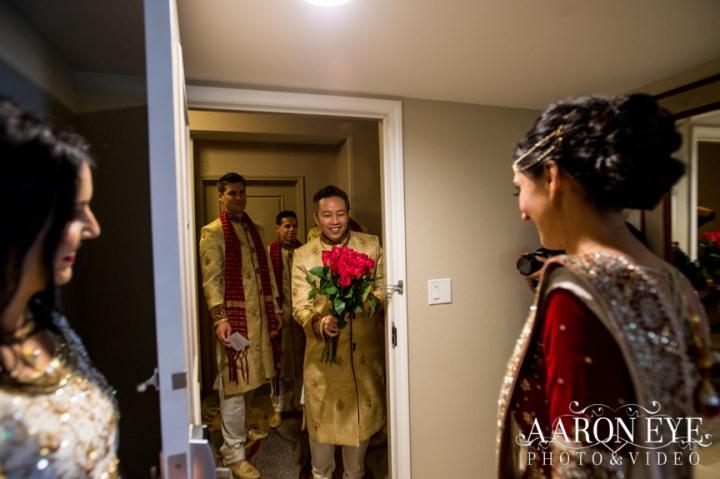 South-Asian-wedding-bride-dulhan-Indian-wedding-Gujarati-North_Indian-Jain-Hindu-roses-bouquet-lehenga-wedding_ceremony