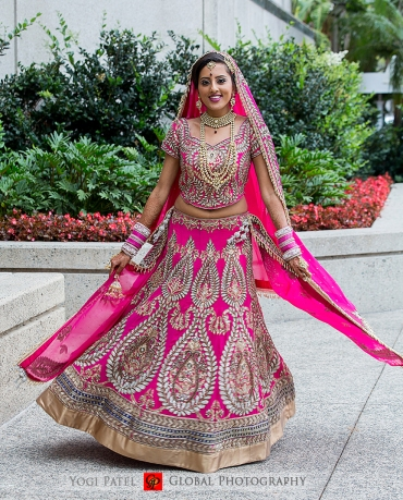 The bride in her pink lehenga. PC: Global Photography