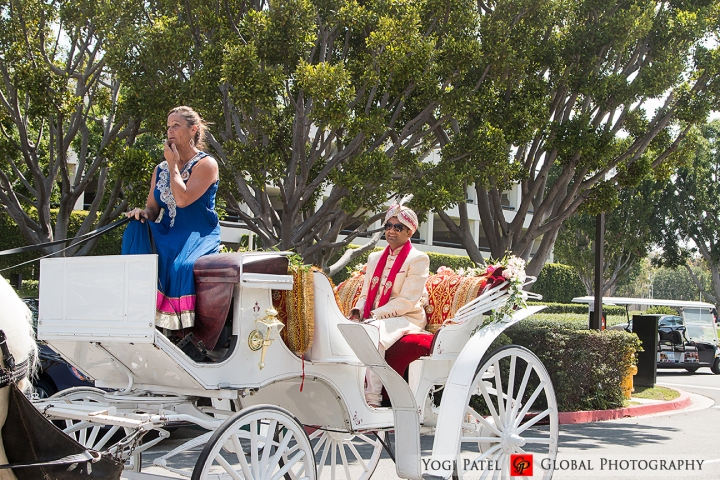baraat horse and carriage for the groom at his Indian wedding