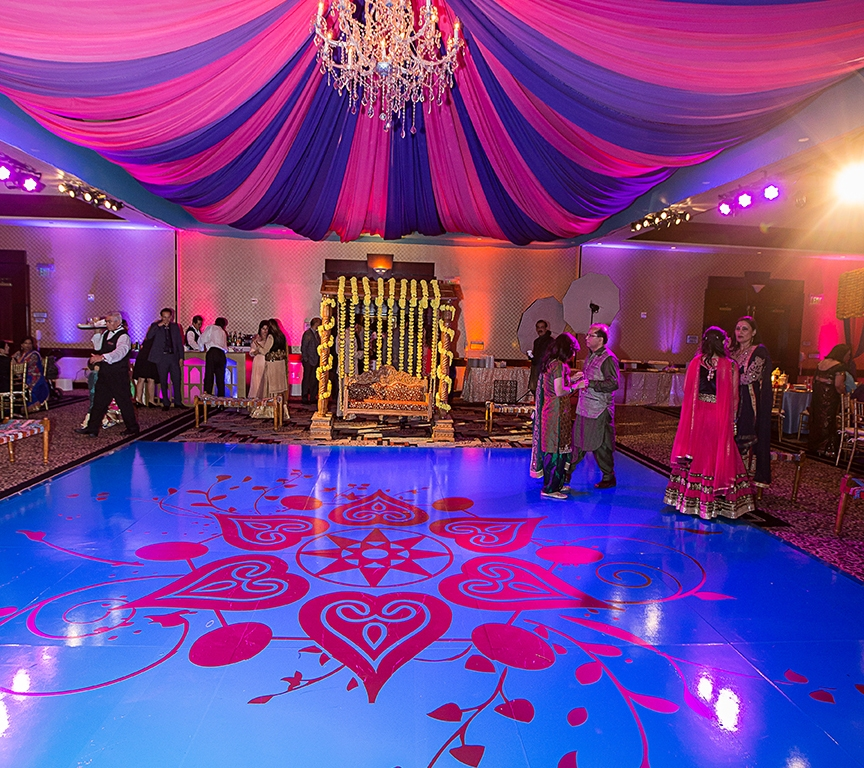 Beach Wedding Venues Washington State: Reception Decor Decisions At Indian Weddings