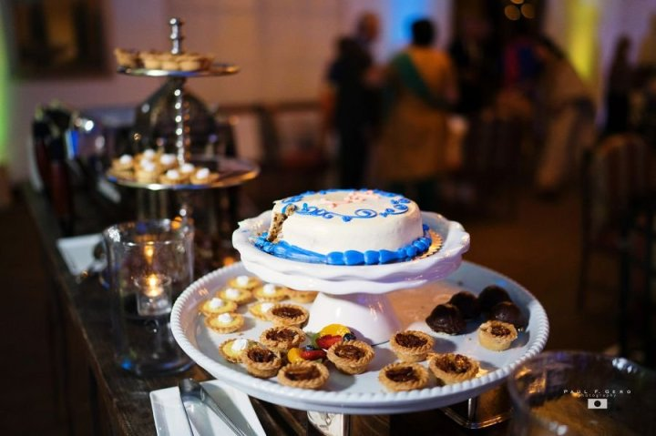 Oak-Creek-Irvine-Indian-wedding-Hindu-ceremony-reception-outdoor-reception-cake-South-Asian-wedding-Avni-Taylor