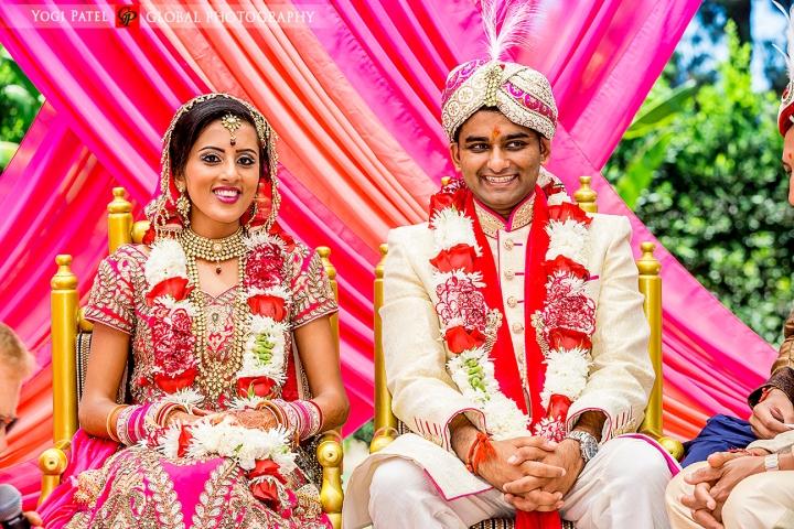 Kunal and Shveta, the bride and groom on the mandap.