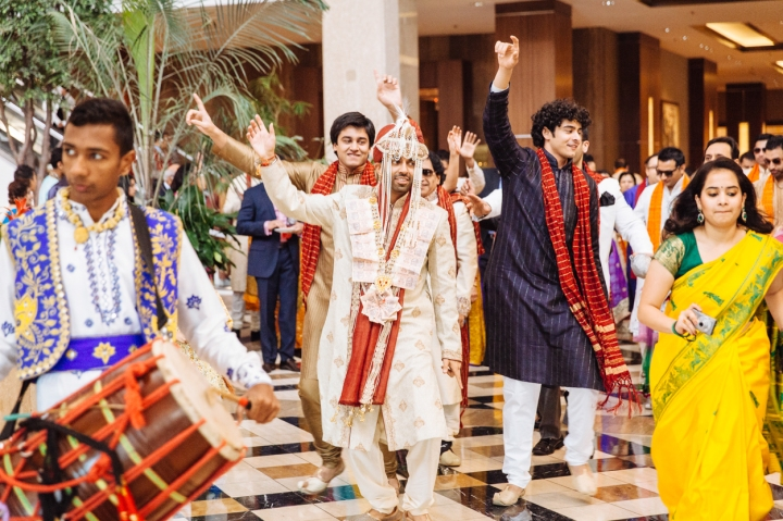Shreta-Bharat-Indian-wedding-venue-Hindu-ceremony-Gujarati-Punjabi-lehenga-bride-groom-sangeet-garba-Prashe-South-Asian-baraat-lobby