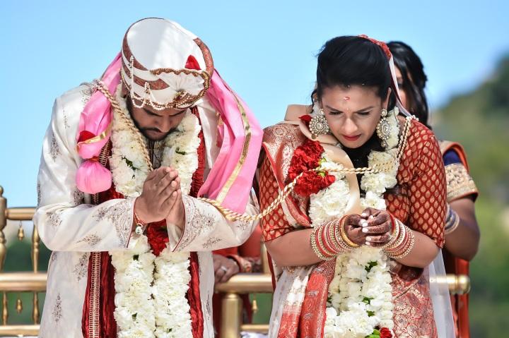 Mehndi Ceremony Explained : Trojan mehndi diy decor life size games amrish
