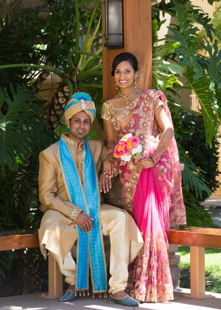 Indian-wedding-venue-Hindu-Jain-ceremony-sari-sherwani-ceremony