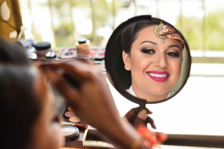 Insian-wedding-venue-Sonia-Sunny-mirror-makeup