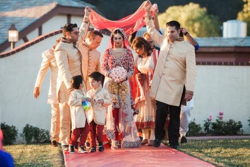 Indian-wedding-venue-Maneka-Mayur-winery-temecula-lehenga-Indian-wedding-photography-Hindu-ceremony-mandap