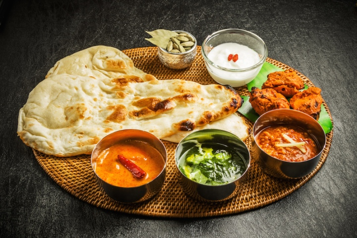 shutterstock_375288685-Indian-wedding-food-outside-catering