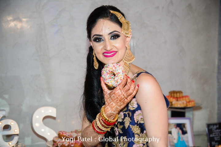 Indian-wedding-reception-Mala-Sandeep-donut