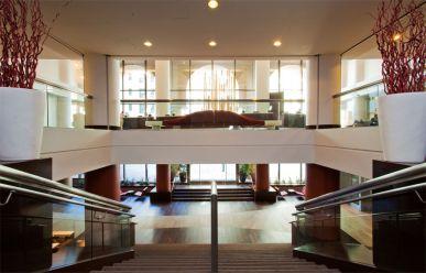 17-81-Indian-wedding-venue-San-Francisco-Parc 55-Hilton-Lobby Wide toward Escalators-Lobby-level-Stairs-Parc55