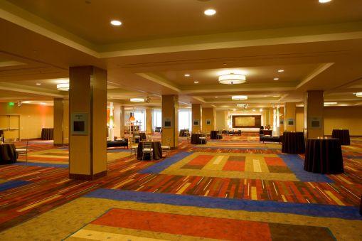 9-81-Indian-wedding-venue-San-Francisco-Parc 55-Hilton-Golden-Gate-Ballroom-reception